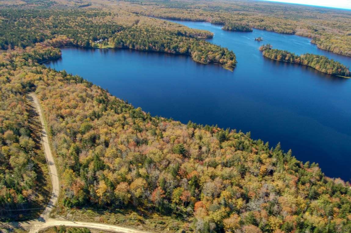 Mehr als 60 ausgesuchte Parzellen an 3 großen Seen